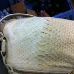 ジミーチュー パイソン(へび皮)バッグの変色・黄ばみ修復