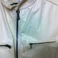 革ジャンパー色移りの染み抜き、修復前