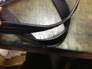 バッグ持ち手革巻き補強1