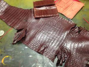 アルティオリ ARTIOLI クロコダイル 財布 修理4